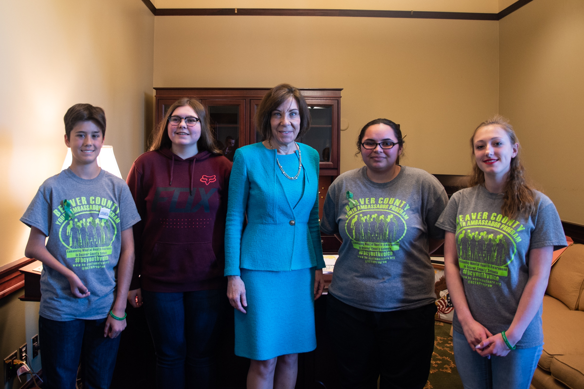 Youth mental health advocates meet with Senator Pam Iovino on May 6.