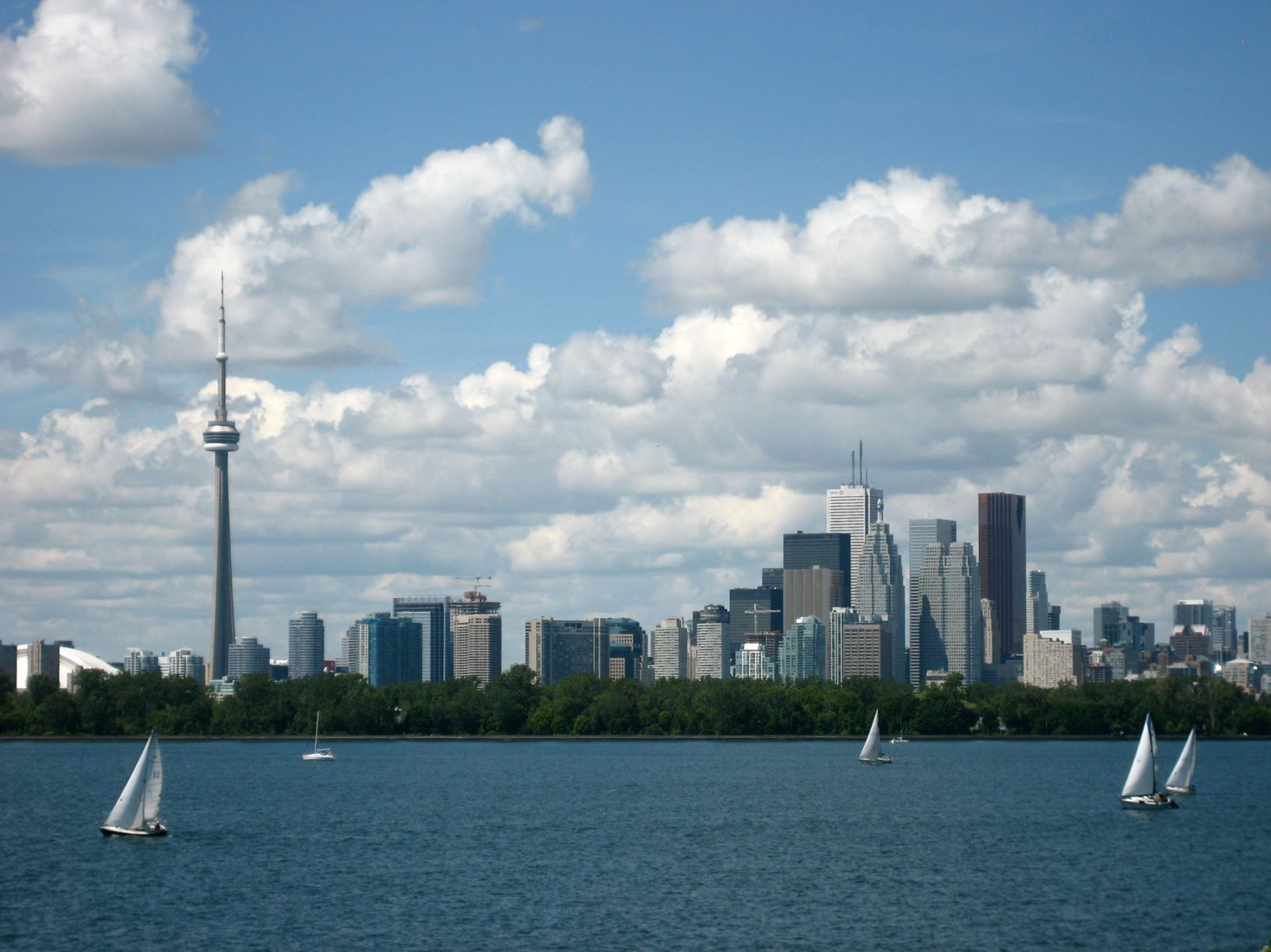 Toronto skyline. Photo credit: Wikimedia by Derek Tsang